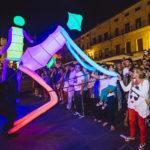 marionnettes géantes lumineuse parade déambulation animation théâtre de rue